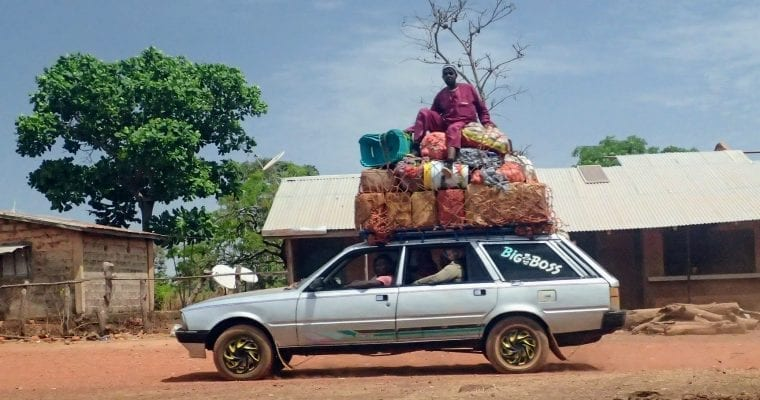 Sept place shared taxi in Guinea