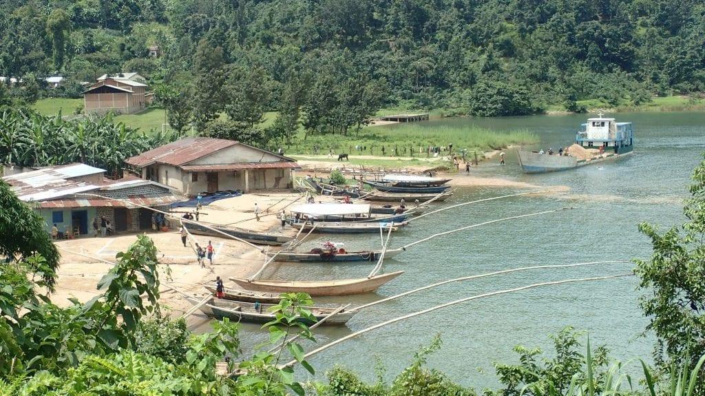Fishing village on Congo Nile Trail