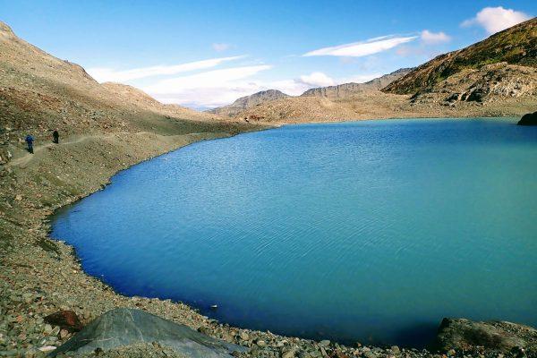 Laguna de los Tempanos hiking near Ushuaia