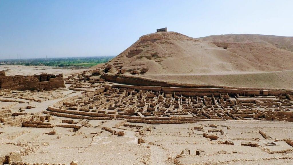 Ruins of worker's village at Dier El Medina