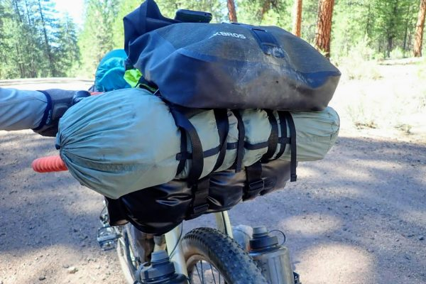 Bikepacking handlebar bag